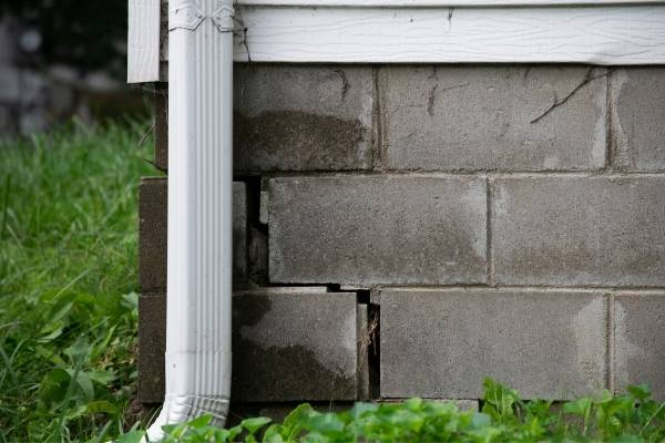 How to Know If Your Foundation Needs Repairs